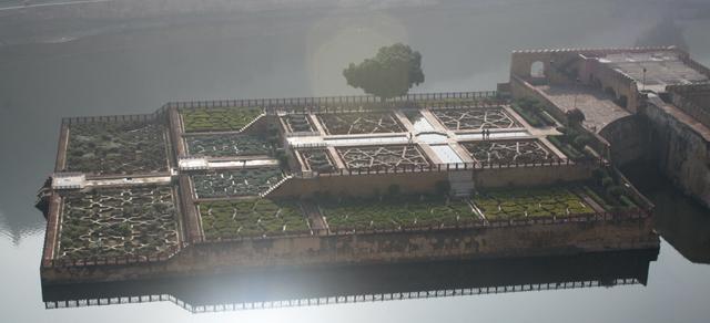 jaipur-schwimmender-garten