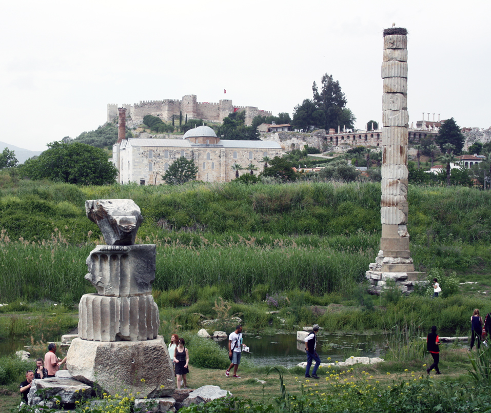 artemis-tempel-trolley-tourist