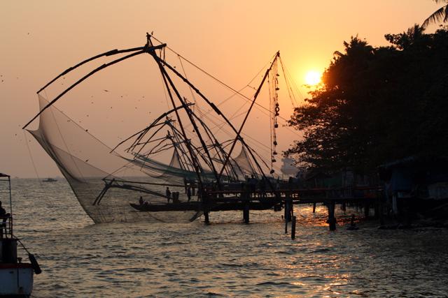 kochi-chinesische-fischernetze-trolley-tourist