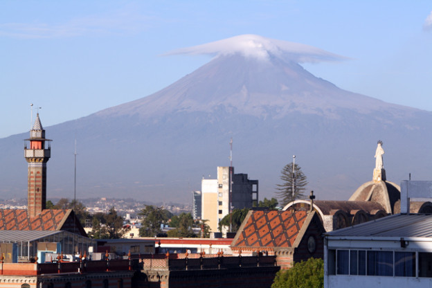 puebla-mexico-trolley-tourist