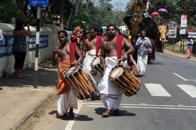 western-ghats-kochi-trolley-tourist