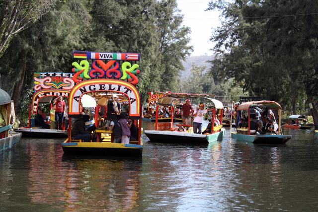 xochimilco-die-schwimmenden-gaerten-trolley-tourist