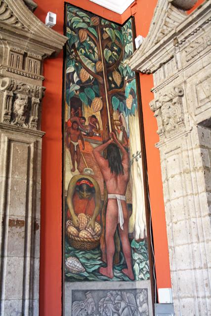 zocalo-mexico-city-rivera-trolley-tourist