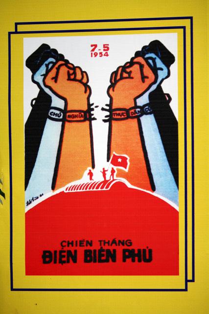 propaganda-plakat-vietnam-trolley-tourist