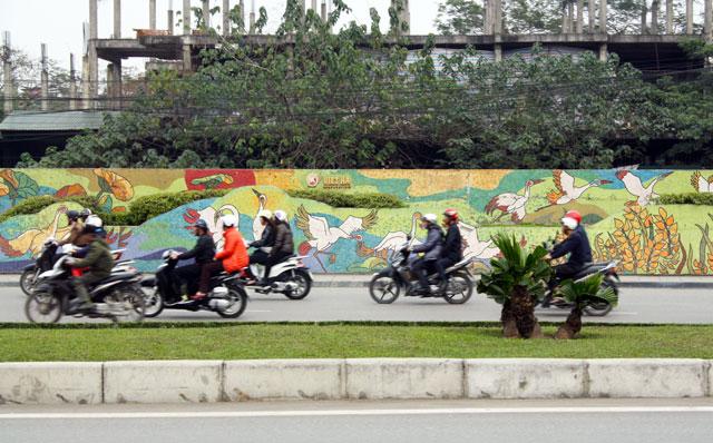 hanoi-mauer-trolley-tourist