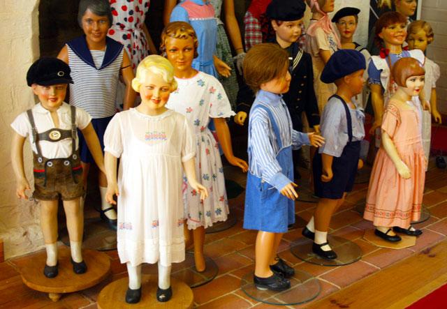 modemuseum-kinder-trolley-tourist