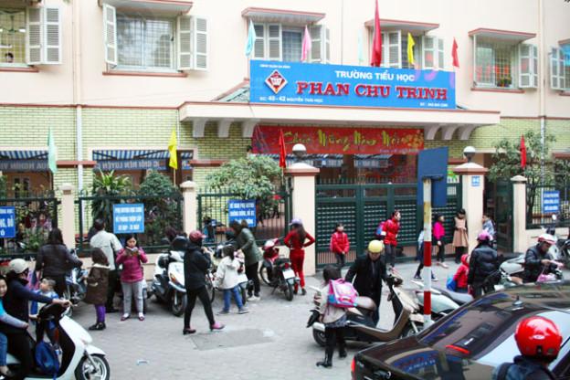 bildungssystem-vietnam-trolley-tourist