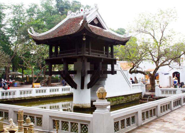 hanoi-ein-saeulen-pagode-trolley-tourist