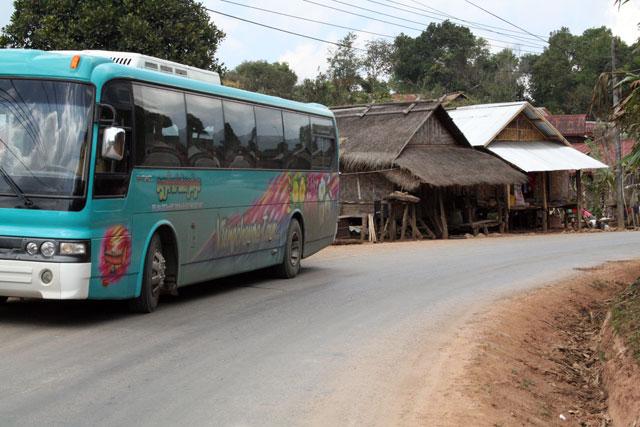 busfahrt-vientiane-trolley-tourist