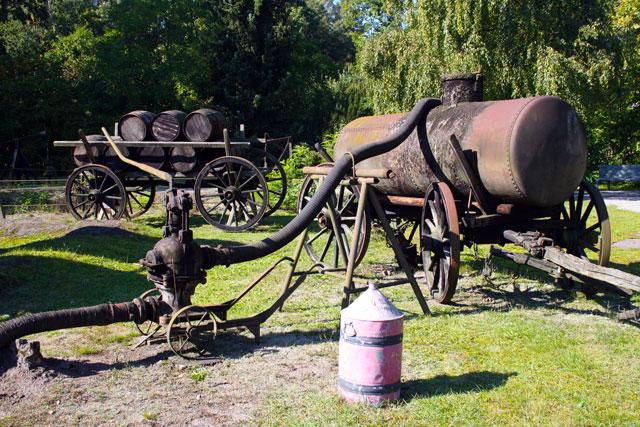 erdoelmuseum-wagen-trolley-tourist