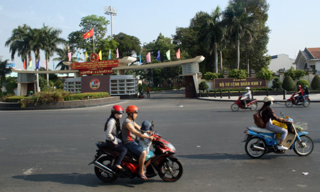 vietnam-reiseinformationen-trolley-tourist