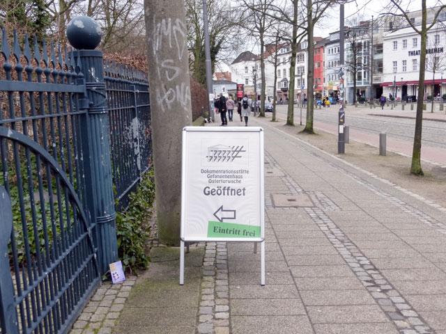 gefangenenhaus-Ostertorwache-trolley-tourist