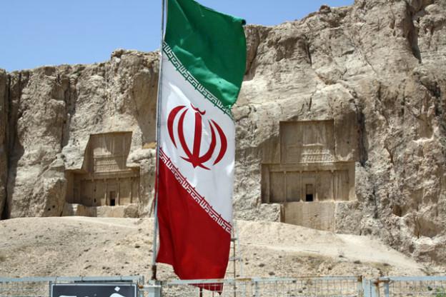 warum-iran-reisen-trolley-tourist
