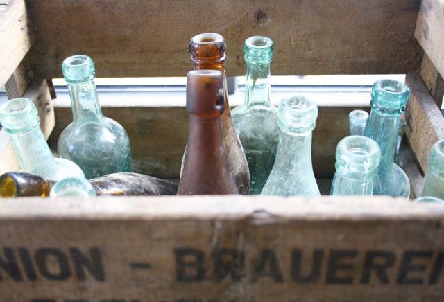 bier-kasten-alte-flaschen