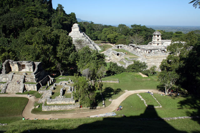 palenque-blick-trolley-tourist