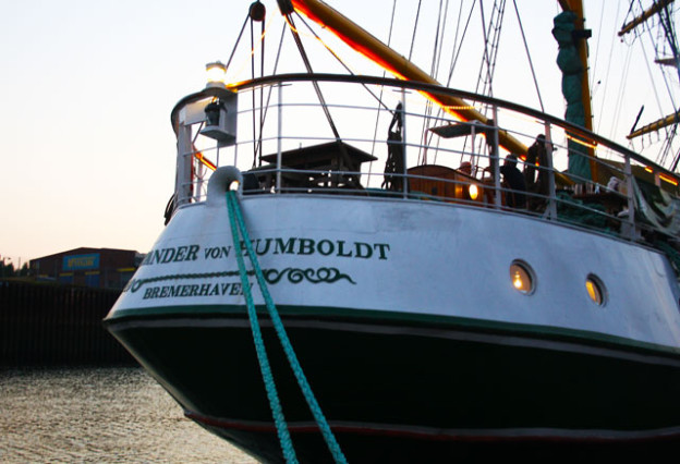 alexander-von-humboldt-das-schiff-trolley-tourist