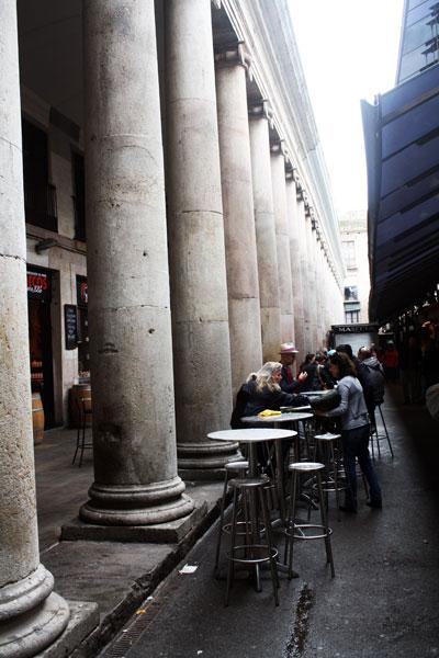 boqueria-barcelona-trolley-tourist