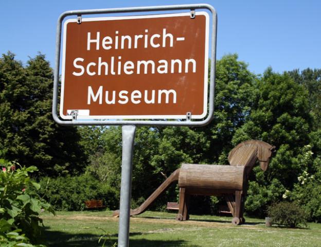 schliemann-ankershagen-trolley-tourist