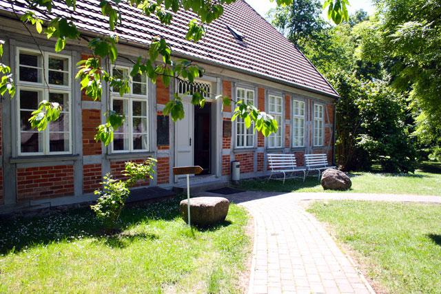 schliemann-elternhaus-trolley-tourist
