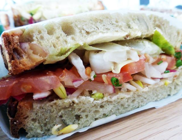 sandwich-trolley-tourist