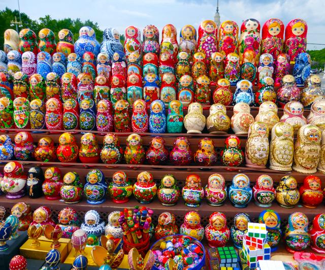 matroschka-puppen-trolley-tourist