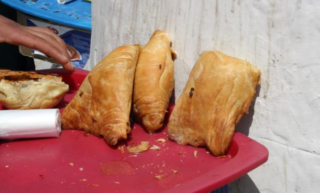 somsa-fastfood-aus-Usbekistan-trolley-tourist