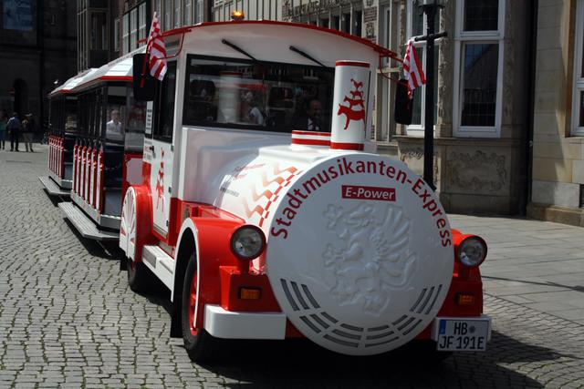 stadtmusikanten-bremen-trolley-tourist