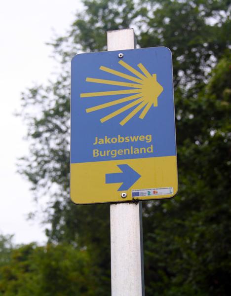 jakobsweg-trolley-tourist