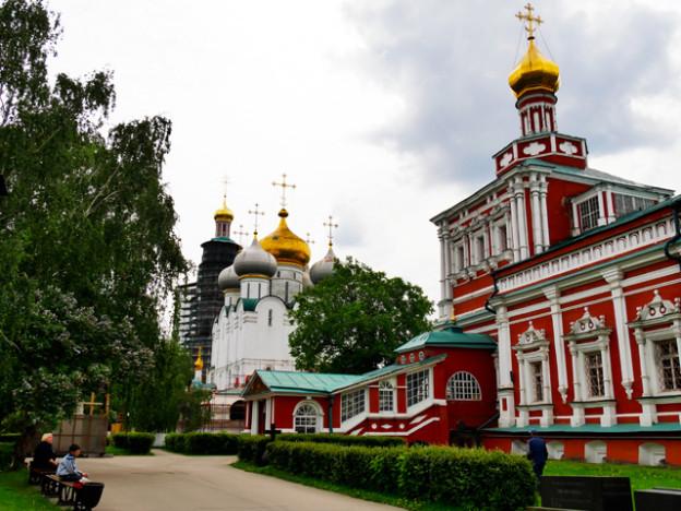 jungfrauenkloster-moskau-trolley-tourist