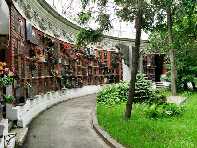 jung-friedhof, moskau-trolley-tourist