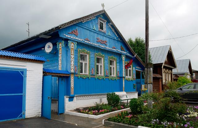 holzhaeuser-blau-russland