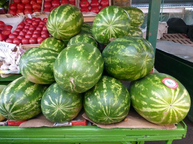 ein-russischer-markt-melonen