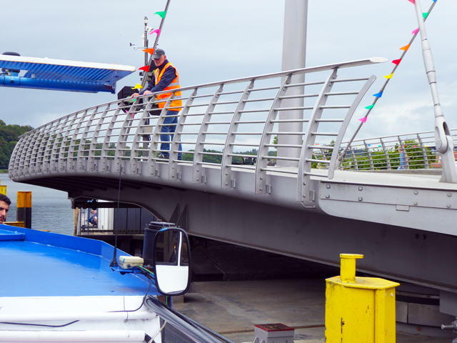 Malchow, Drehbrücke, Schifffahrt