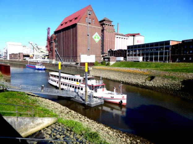ueberseestadt-schiff