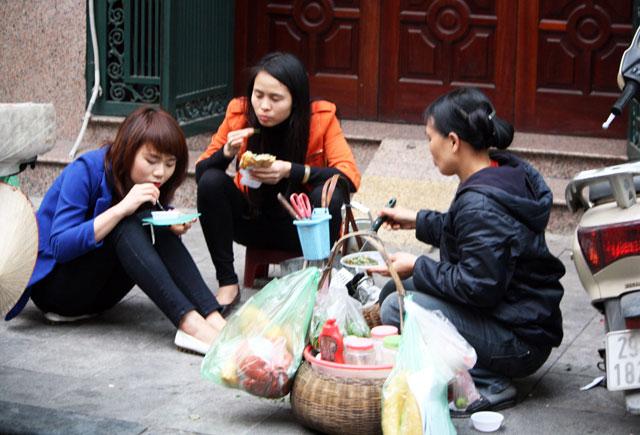 Küche auf dem Bürgersteig, Streetfood in Vietnam